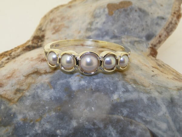 five stone pearl gold ring