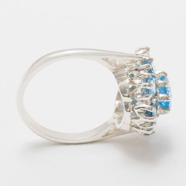 silver blue topaz cluster ring side view 2